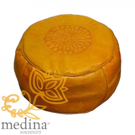 pouf cuir rond rosace jaune pouf marocain en cuir jaune. Black Bedroom Furniture Sets. Home Design Ideas